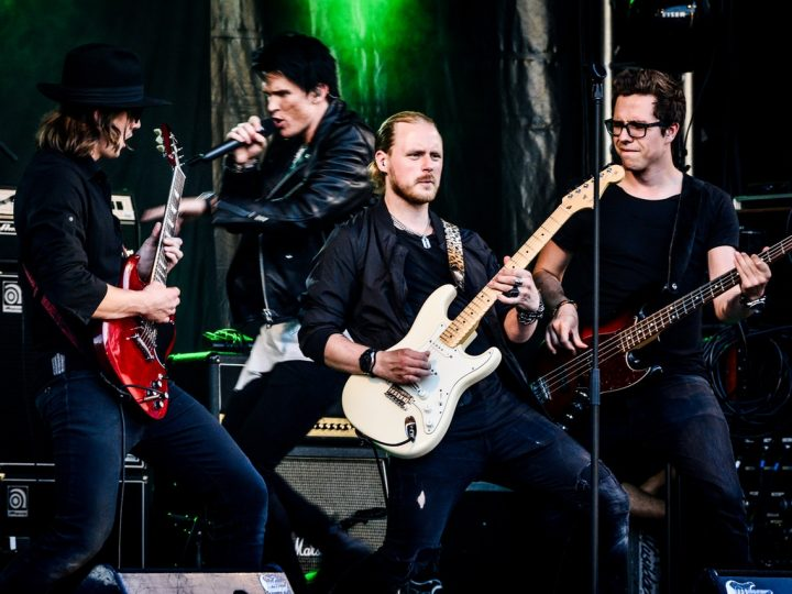 World biggest band in beach