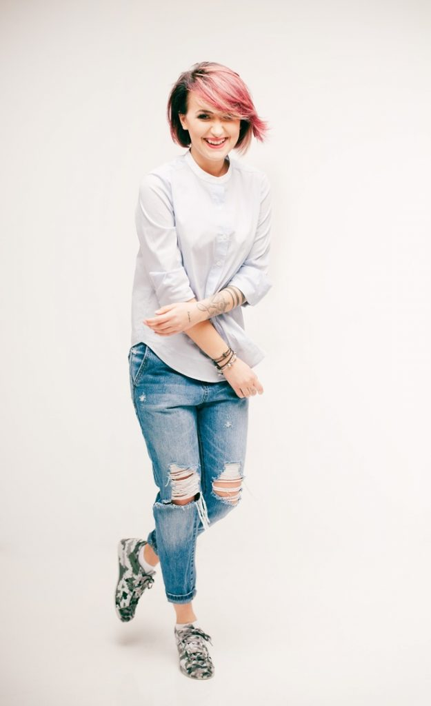 girl white photography portrait model jeans 645505 pxhere.com